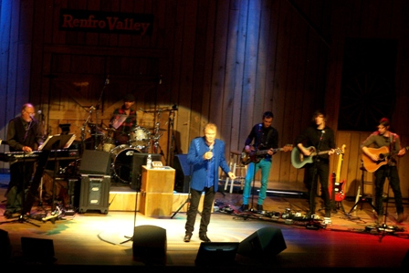02 Glen Campbell - Renfro Valley, KY [2011-09-17].jpg