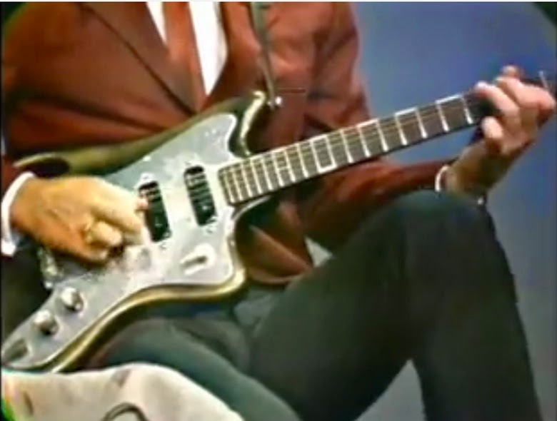 Glen Campbell Teisco 2.jpg