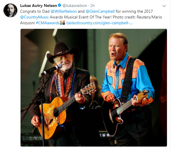 2017-11-08_WILLIE NELSON'S SON TWEETS PHOTO OF WILLIE AND GLEN.jpg