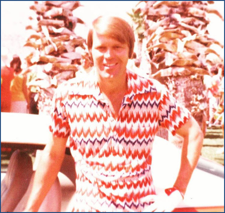 Glen Campbell in Red White Blue_Golfing_Shared by Glen Campbell Official.jpg