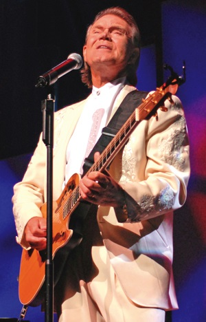 Glen Campbell_Branson_TriLake_Andy Williams Theatre_2007.jpg